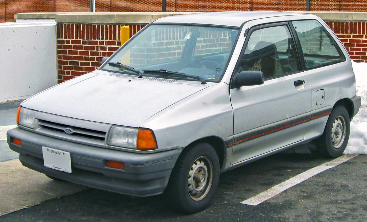 1988-1989_Ford_Festiva_--_02-22-2010.jpg