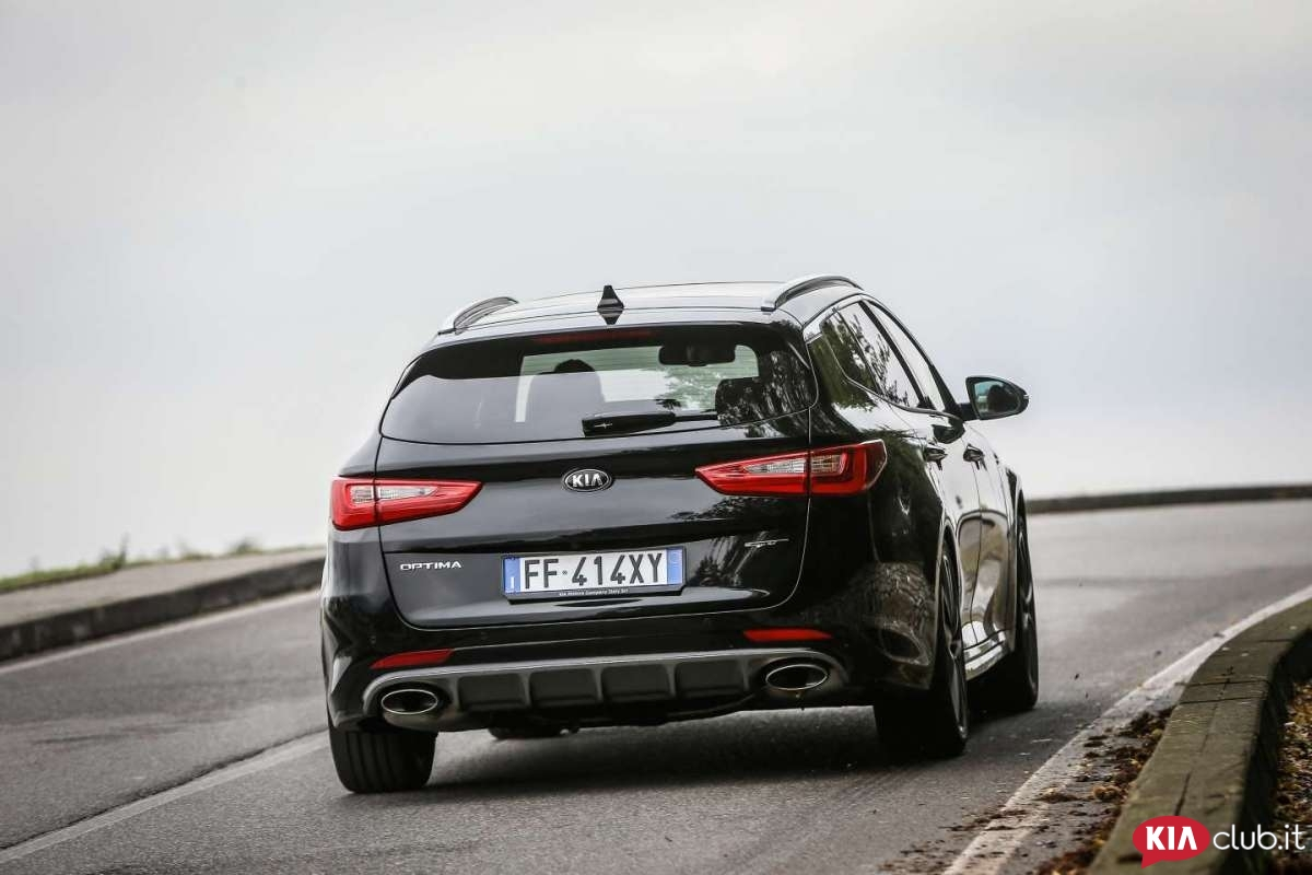 optima-sportswagon-gt-nera