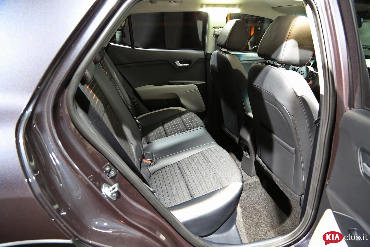Kia-Stonic - spazio interno posteriore